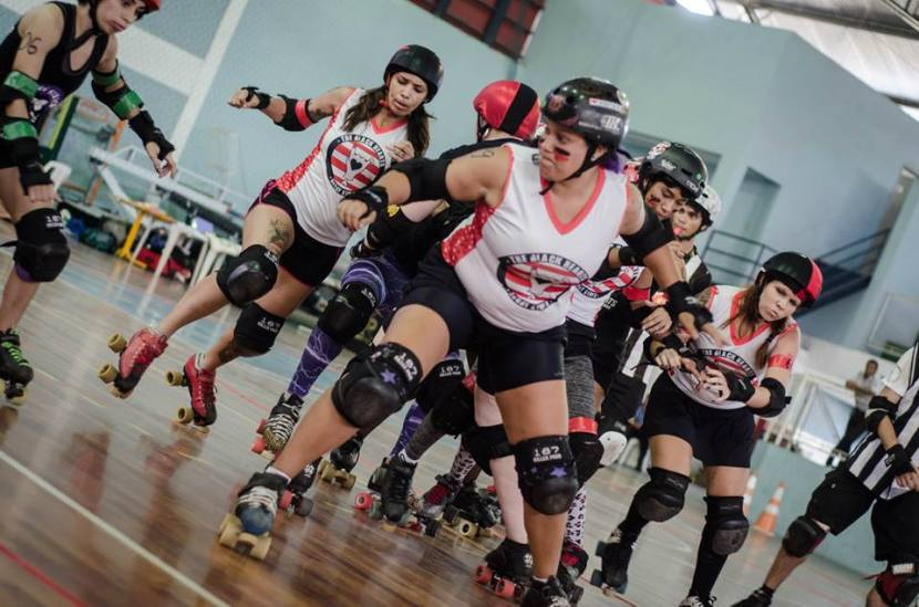 "Paulis ""jammando"" no jogo Black Hearts Derby Girls x Patchwork. Foto; Pri Morales"